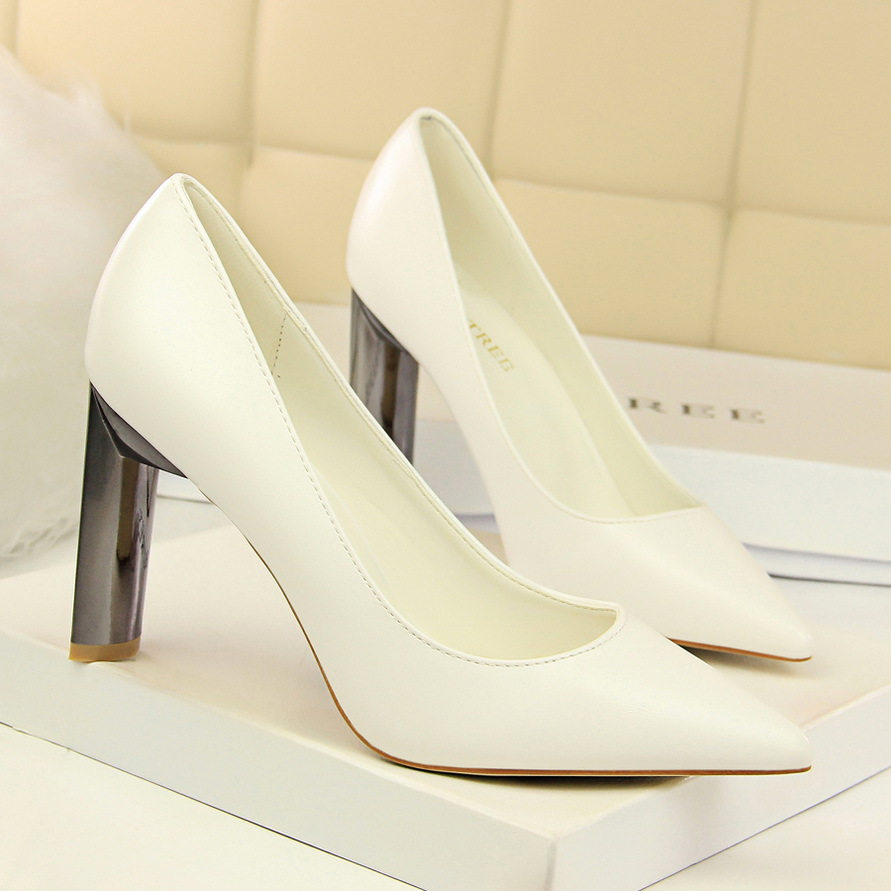 122-1: sexy fashion professional OL for women's shoes with thick with high metal with shallow mouth pointed single shoes
