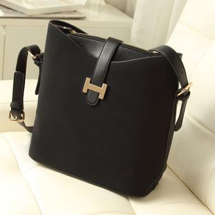 达芙妮新款女包2013韩版磨砂皮单肩斜挎包水桶包欧美女士包包潮