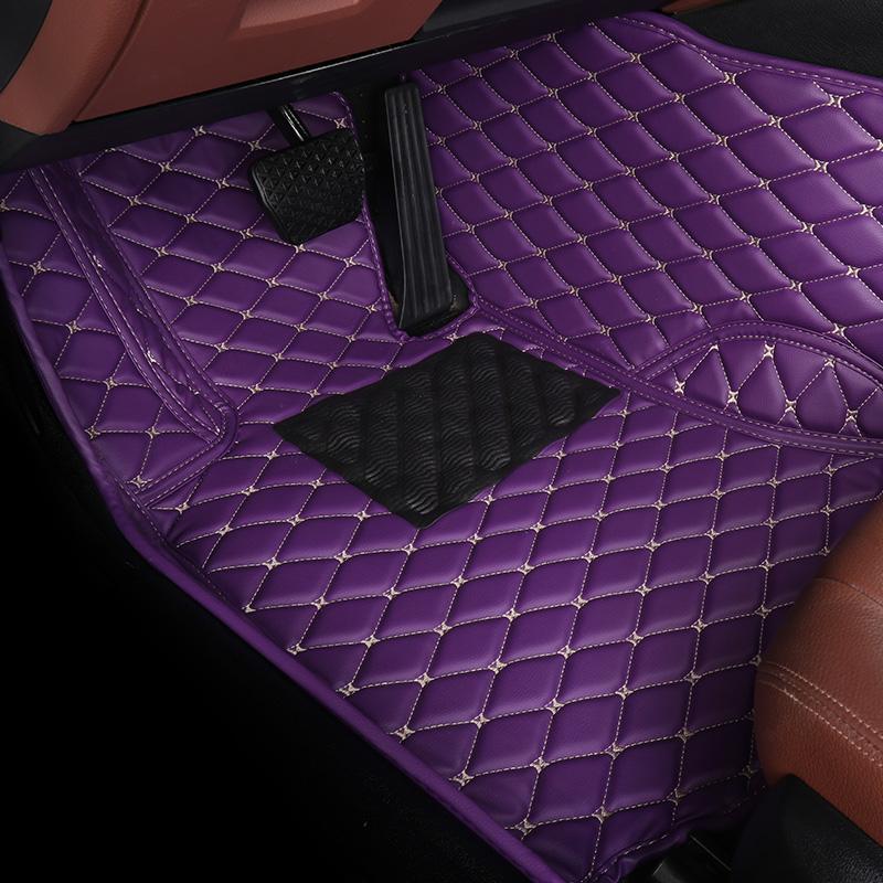 Цвет: Висят вышитые фиолетовый