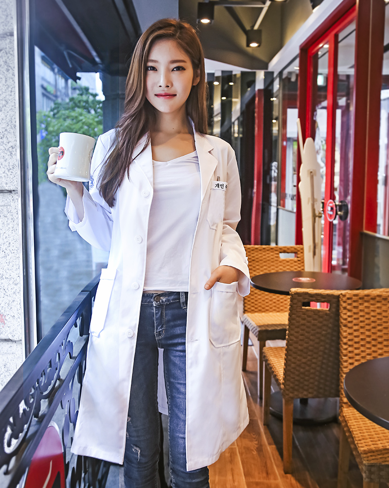 Color classification: Korean version of the white coat (long sleeve)-free