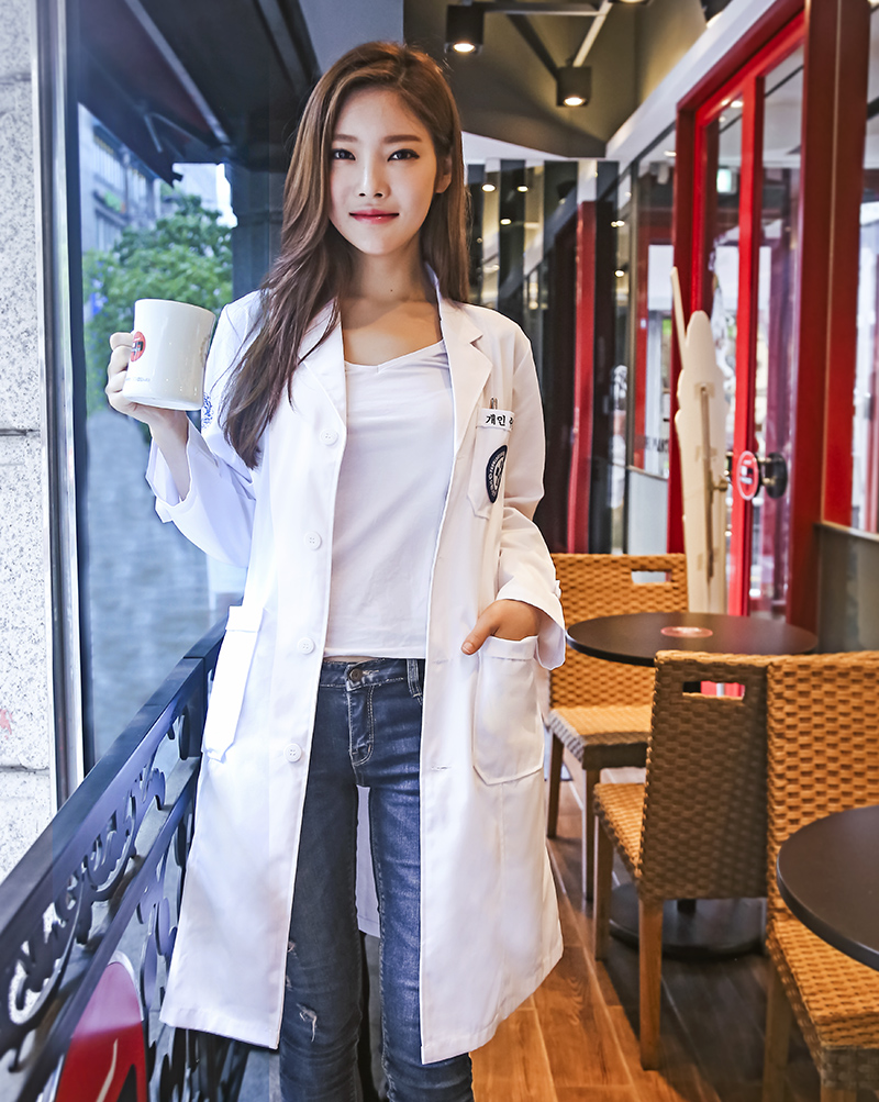 Color classification: Korean version of the white coat (long sleeve)