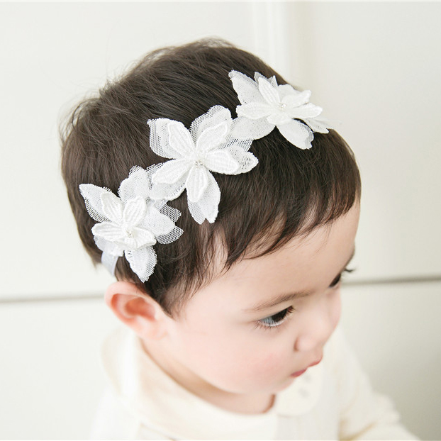 Color classification: Silver three flower lace silver