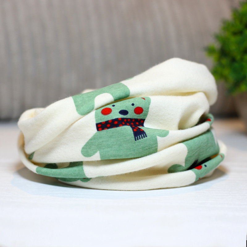 Color classification: Scarves bear-clear green