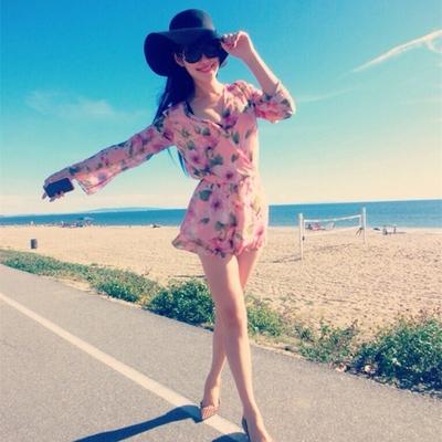 海边旅游度假沙滩裙裤防晒衣长袖V领花色波西米亚印花雪纺连体裤