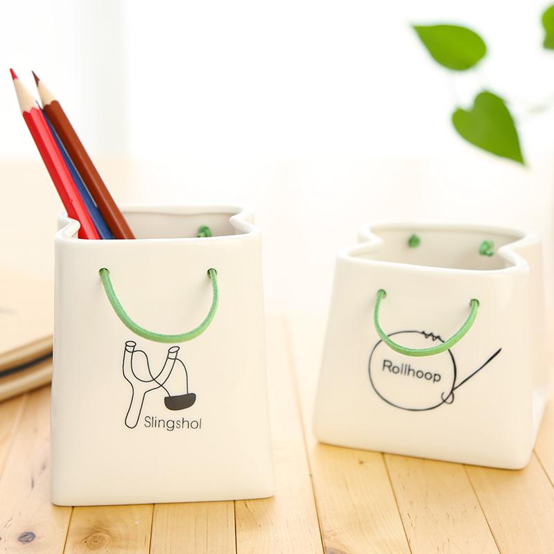 三年二班●创意陶瓷纸袋笔筒 简约多功能笔筒收纳罐 趣味桌面摆件