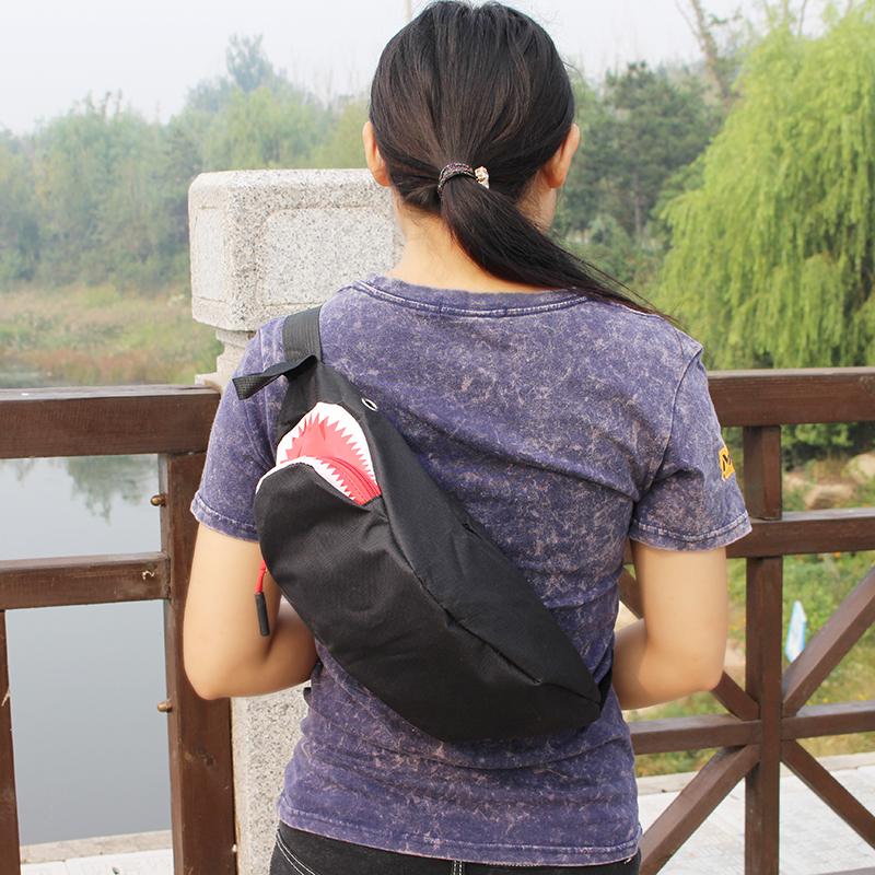 鲨鱼小腰包胸包死飞男女式学生休闲户外包韩版潮迷你运动斜挎小包