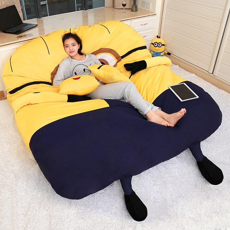 Το μικρό κίτρινο χαλάκια τατάμι. καρτούν τεμπέλης διπλό μικρό καναπέ κρεβάτι ωραίο δωμάτιο στο ισόγειο ενηλίκων 1,8 m