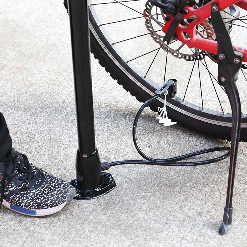 อเนกประสงค์ในครัวเรือนเครื่องสูบลมจักรยานบาสเกตบอลแบบพกพาใช้ความดันที่คู่มือรถลงจอดแบบหลอดพอง