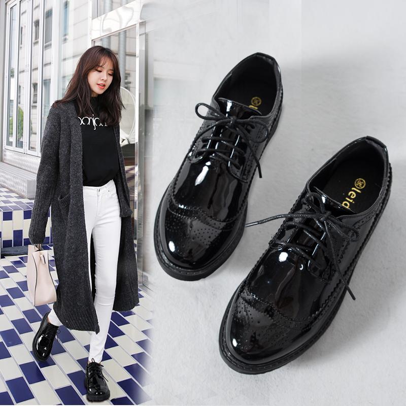 秋冬平底鞋英伦风布洛克女鞋漆皮韩版黑色小皮鞋加绒厚底大码单鞋