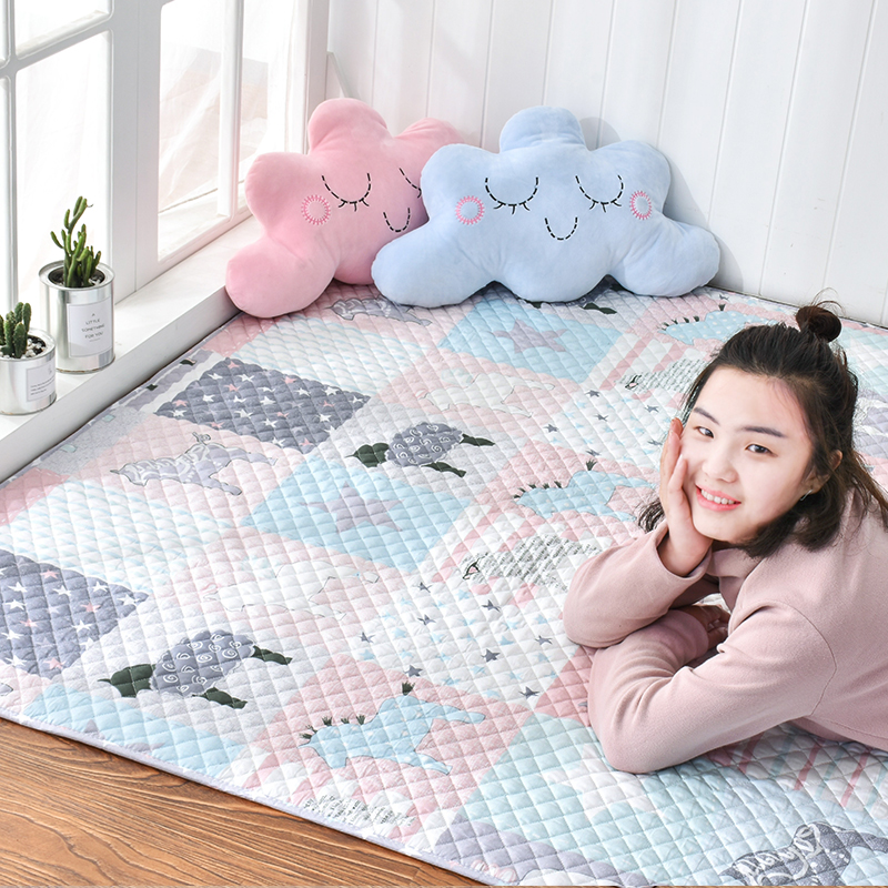 The cotton cloth carpet bedroom bedside table pad crawling tatami non slip mats can be washed by hand.
