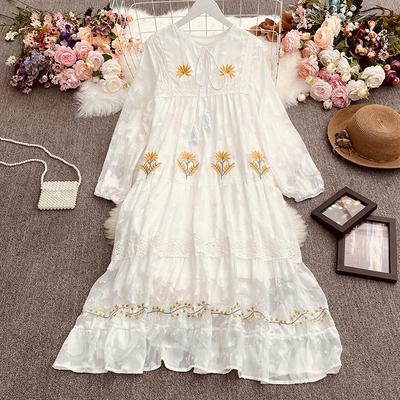 波西米亚度假风女神范长裙秋装新款女复古重工刺绣花朵宽松连衣裙