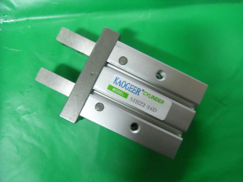 The Sino Italian joint venture import seal open close gripper fingers parallel cylinder cylinder wear spot MHZ2-16D
