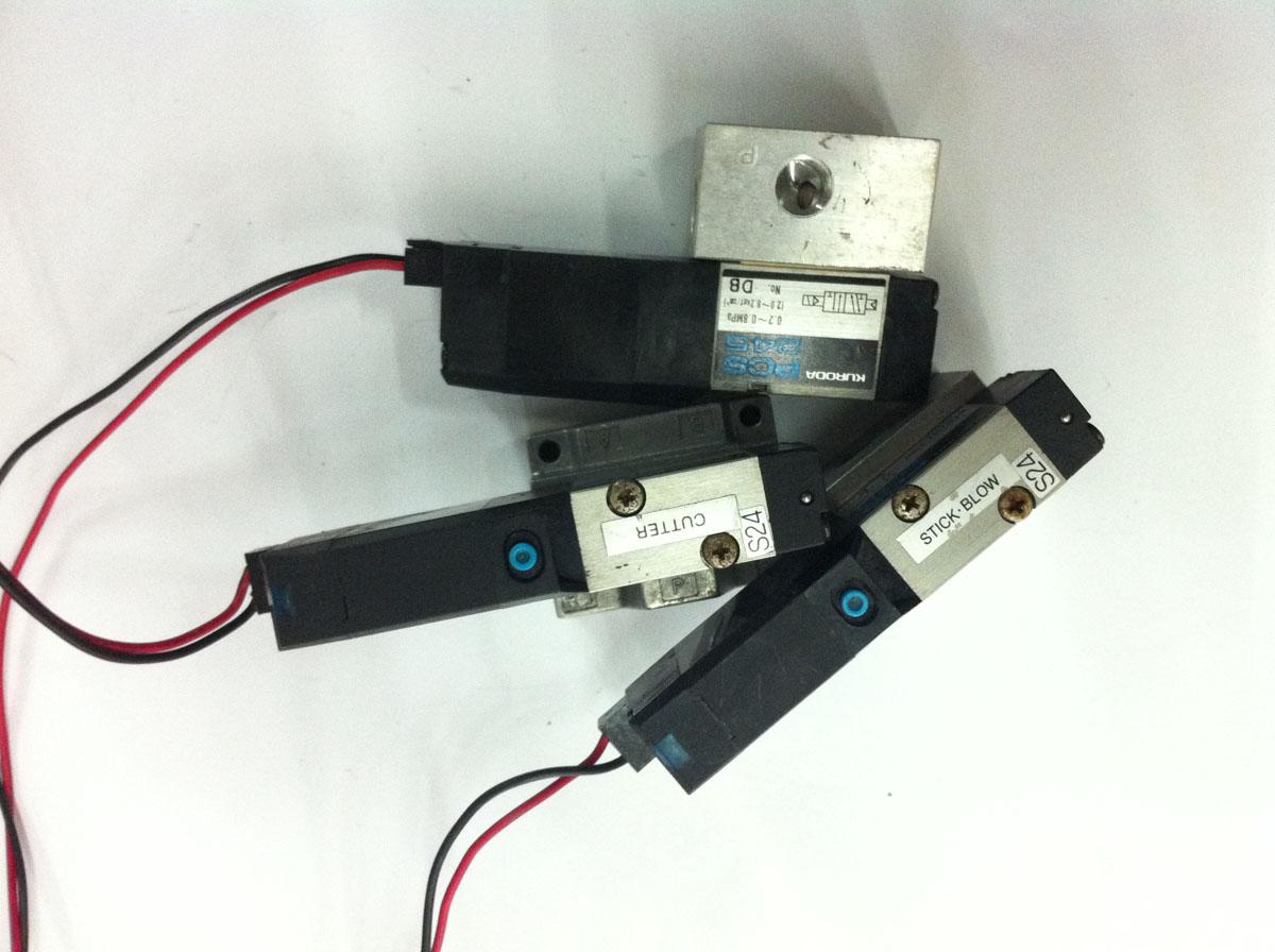Desmontar la pieza KURODAPCS245-NB-D24 rendimiento intacto de la válvula de control eléctrico