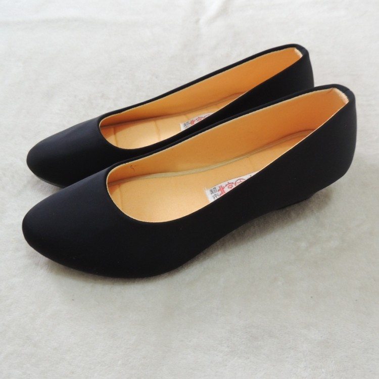 老北京布鞋女鞋單鞋軟底淺口坡跟防滑黑色工作鞋酒店高中高跟厚底