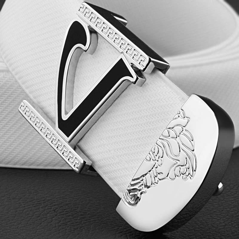 百搭2017新型ベルト韓版百搭平滑バックル字母メンズVベルト男真皮の靑少年のファッション