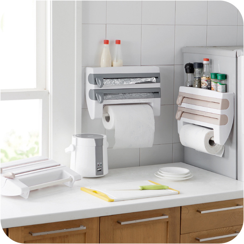 ครัวติดผนังชั้นวางกระเป๋ากับฝาพลาสติกห่อกล่องใส่ตะเกียบบนโต๊ะอาหารตู้เย็นเครื่องตัดถุงกระเป๋ากล่อง