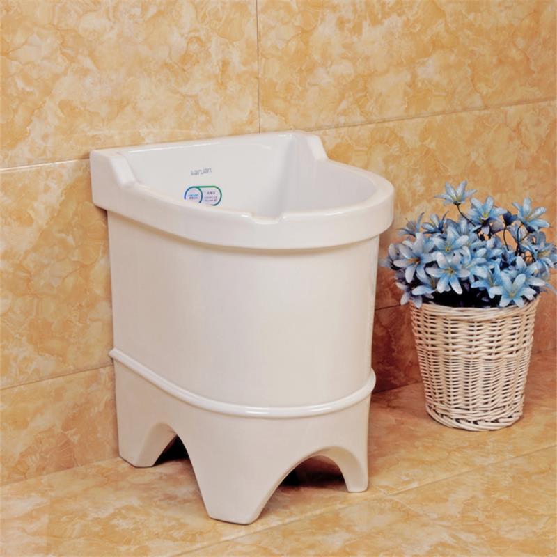 La tina de agua al aire libre en las estaciones de lavado de manos puede gran lavandería piscina grande al aire libre para limpiar la piscina grande