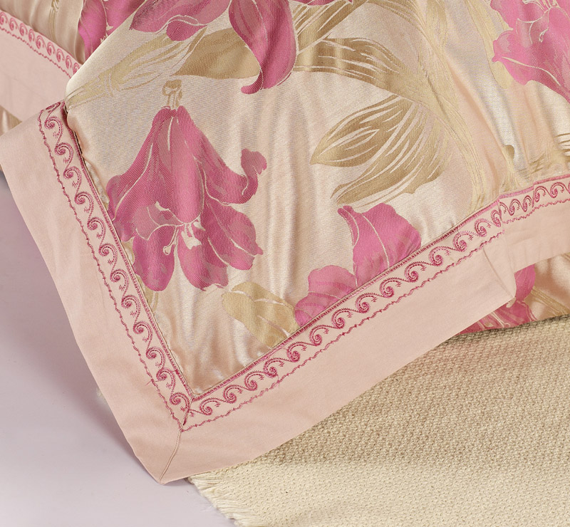 Plug Duoya European cotton satin jacquard silk bedding cotton embroidery quilt four sets of special offer