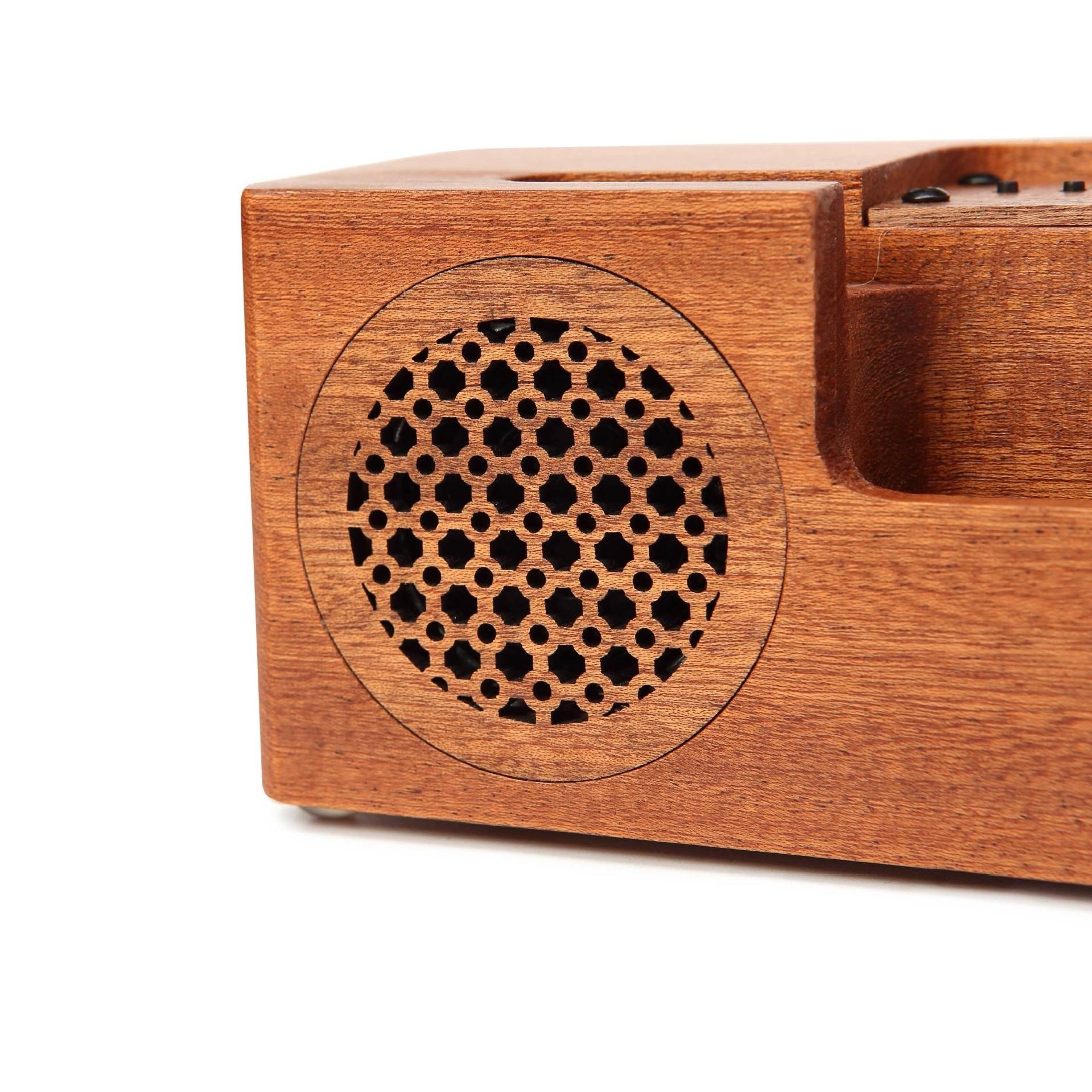 Solid wood mobile phone bracket vogue Bluetooth sound box car audio desktop sound creative personality exquisite gift