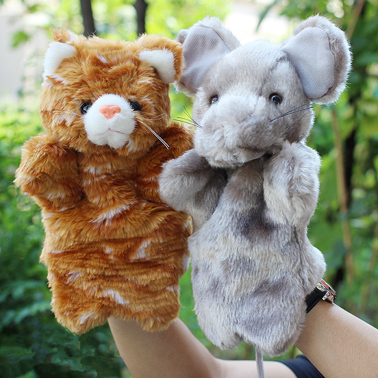 πουλάει κούκλες χέρι τη γάτα και το ποντίκι λέει ιστορίες παιχνίδια τα ταριχευμένα ζώα μαριονέτες κούκλα δώρα για τα παιδιά