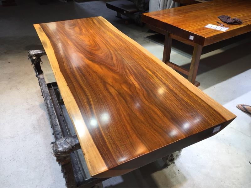 Table à thé de grumes de bois d'acajou, panneaux en bois massif table patron Bureau spot 197 * 76 - 77 * 8