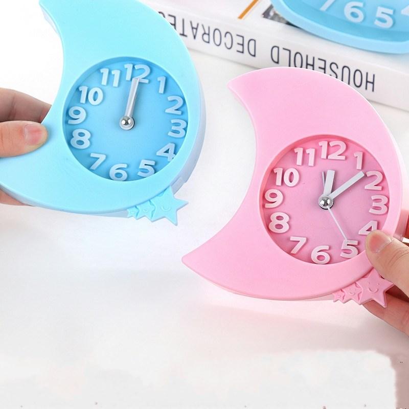 O novo relógio de quartzo relógio de metal pendurado relógio minimalista o ponteiro pequeno movimento de peças.