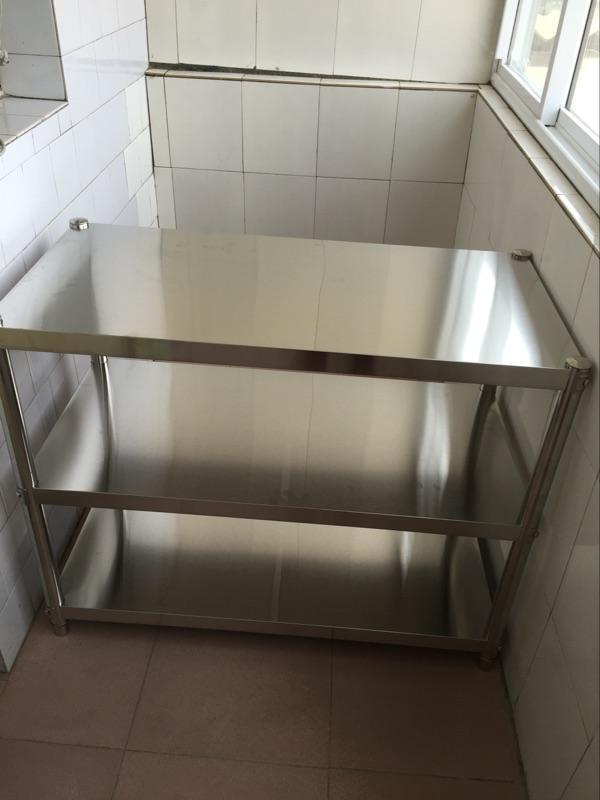 ステンレスキッチン収納棚を置く棚さん層に炉架収納ラック三層オーブンレンジ棚のカスタマイズ