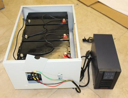 Baterías de UPS Gabinete A3 puede contener sólo sólo sólo 24AH 38AH8 100H65AH6 3