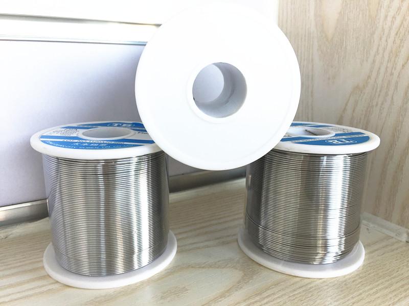 Una Linea speciale di Stagno di Acciaio inossidabile sn63 nichel Alluminio e zinco, Piombo / piatto con un pezzo di Filo di saldatura di Stagno di 800 grammi di borsa posta