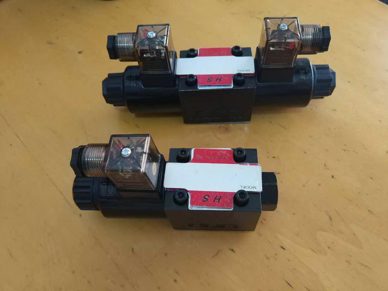 La válvula de solenoide de la válvula de presión de aceite WH43-G02-C3-A220-N-20WH43-G02-C3-D24-N-20