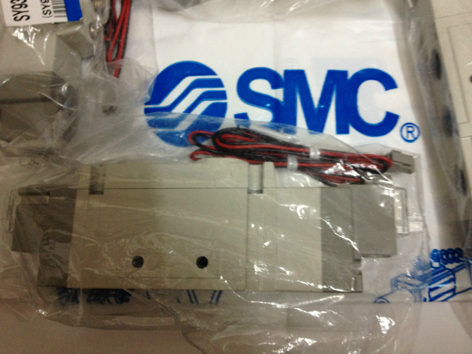 Nova importada autêntica SMC válvula de solenóide SY9320-5LZD-03 fotos Agora.
