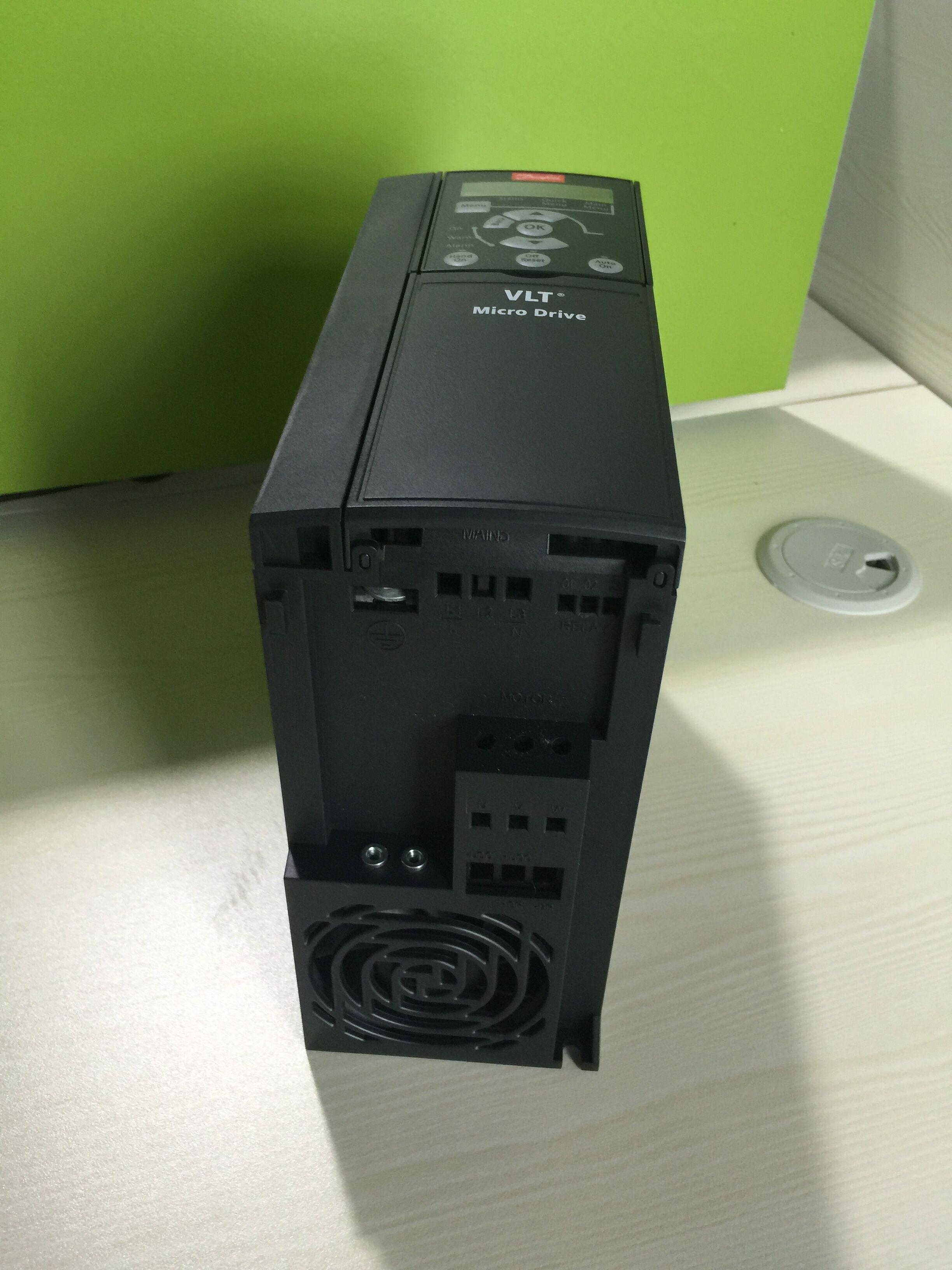 Новые оригинальные Аутентичные FC-051 Danfoss FC-051P15K4E20H3XC15kW трехфазный