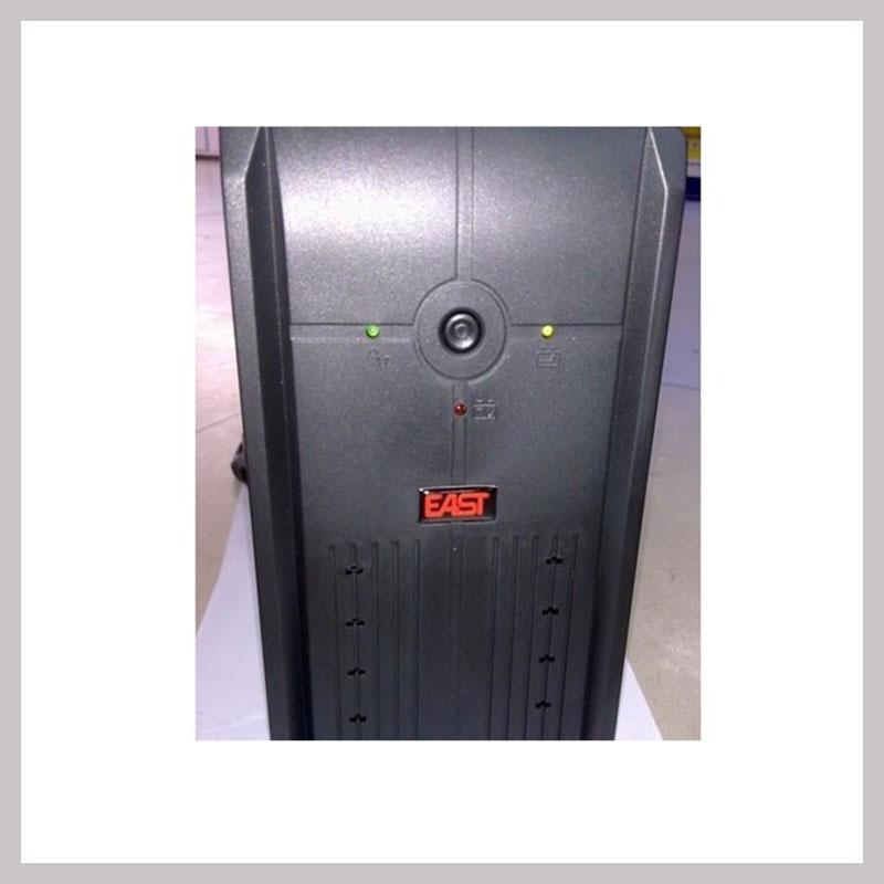 Este tipo de fuente de energía ininterrumpida de este EA2151500VA900W batería interna de la máquina.