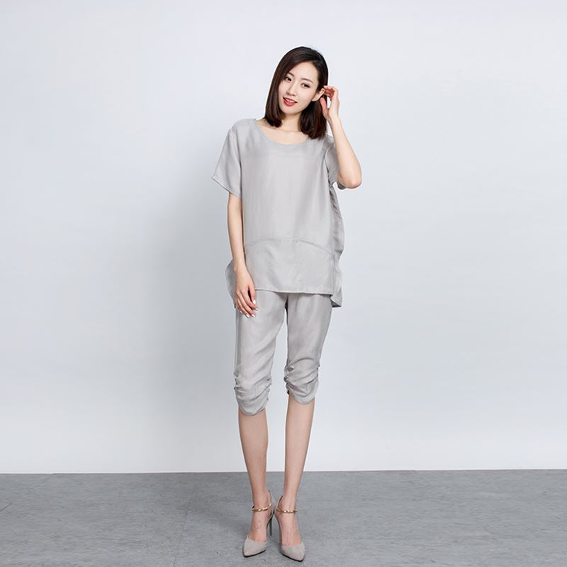 In the summer of two sets of loose heavy summer silk cup five pants size color suit fashion temperament