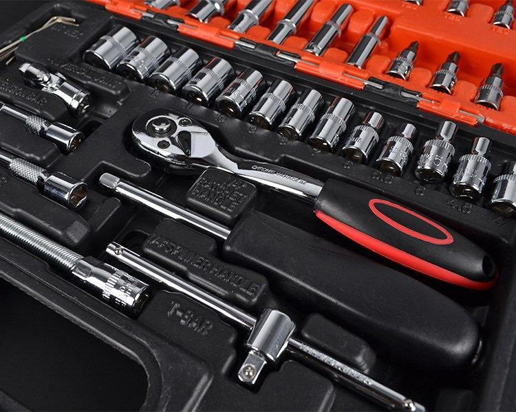 Repair tools, 121 pieces sleeve hardware, automobile repair kit combination of 123 pieces of fast steam wrench