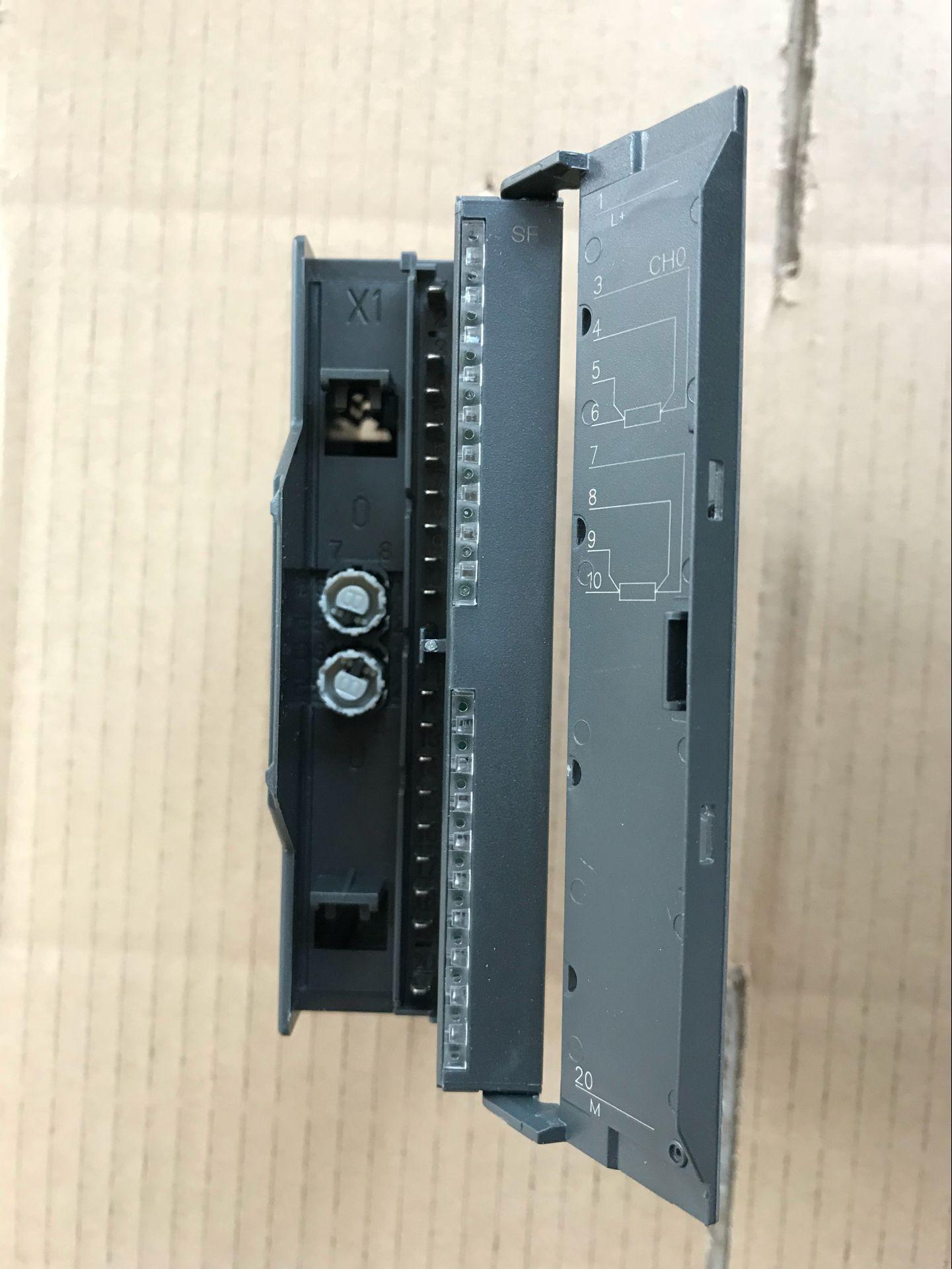 国産互換シーメンスS7-300plc互換シーメンス332-5hb01