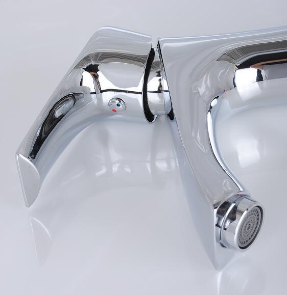 金メダルの台所の衛全銅蛇口セラミックプランジャ規格品の暑さで光双表面の洗面器手洗い