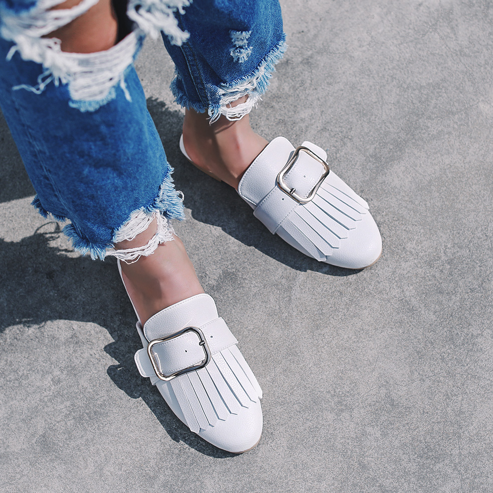 白色35小p良品鋪 就是愛流蘇 圓頭平底金屬方扣半包拖鞋春季新款女鞋子
