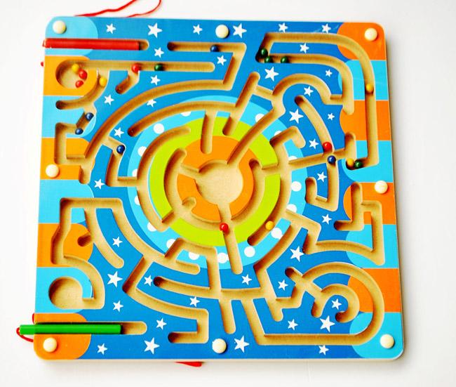 Đồ chơi cho trẻ mẫu giáo gỗ interactions mê cung từ tính trí tuệ con bướm chuyển bút hạt từ tính, nên đi chứ?