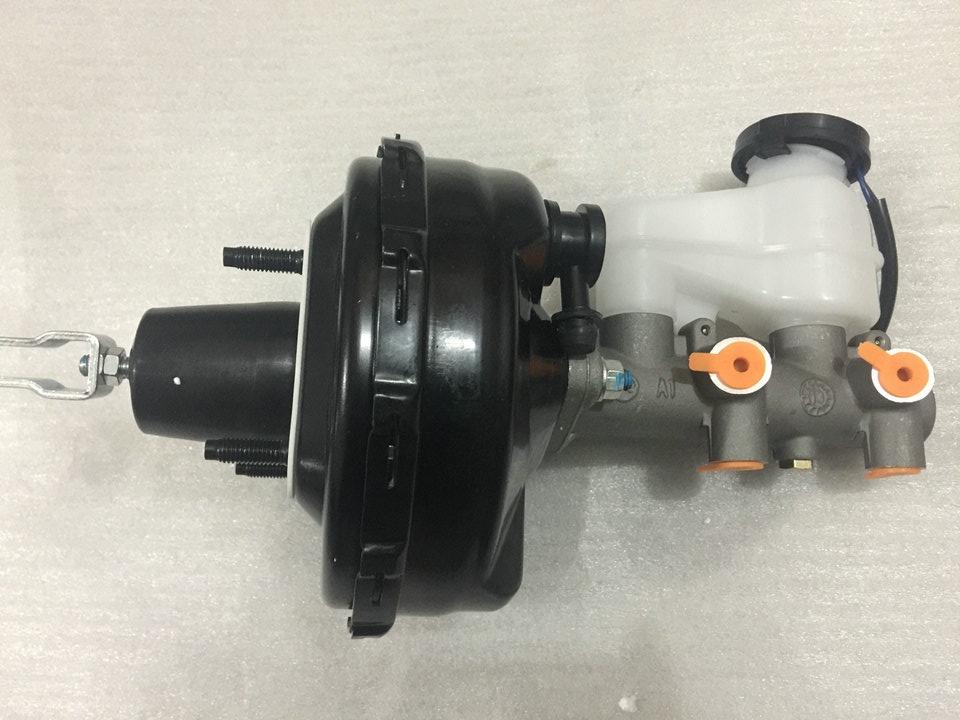en gäst da fyrhjuliga originalersättningsdelar bromsassistans pump booster huvudcylinder fot bromsning pump