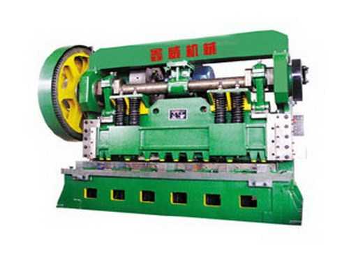 2 เมตร 5 เครื่องจักรขนาดใหญ่เครื่องตัดเหล็กสแตนเลสฮาร์ดแวร์หม้อน้ำรถยนต์ระบบการประมวลผลการทำงาน