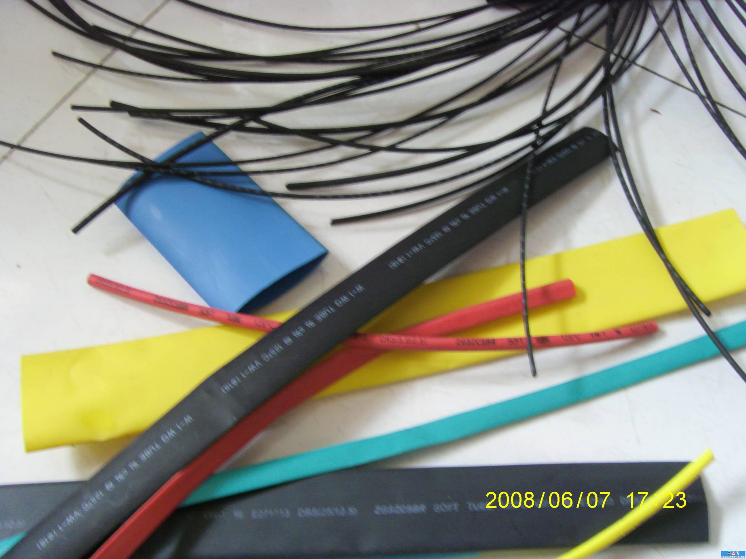 Los fabricantes de fundas aislantes especiales caliente el tubo de contracción a nivel de calidad de las especificaciones (3mmA 600v