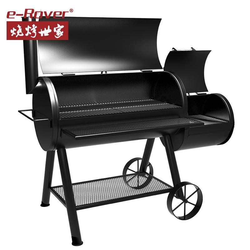 barbecue grill na dziedzińcu willi rodziny na grilla do pieca, węgiel drzewny, pełne pudełko? nie.