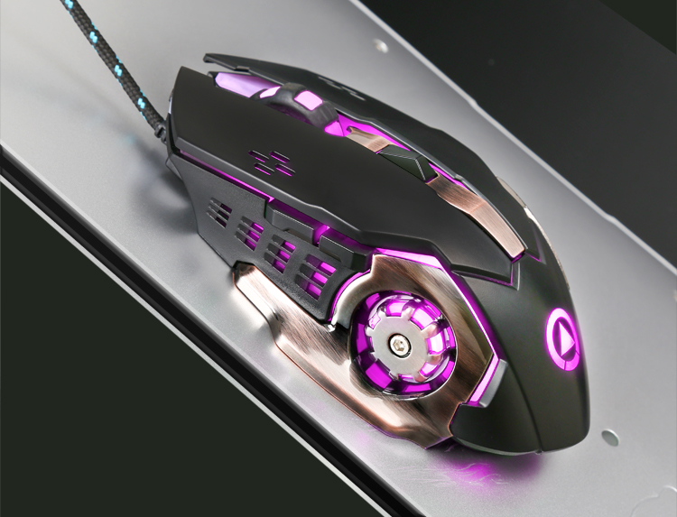 The game mouse has silent mute, mechanical aggravating metal mouse, wired mouse
