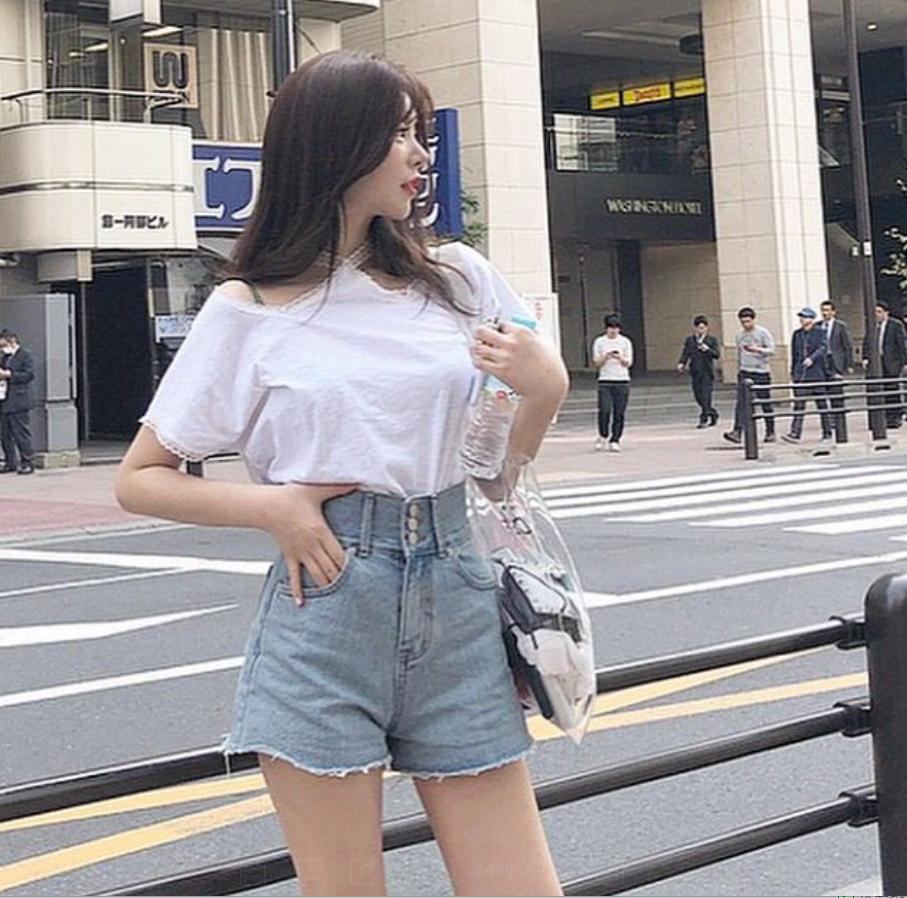韓國 INS人氣款  大長腿高腰須須邊顯瘦牛仔短褲    現貨
