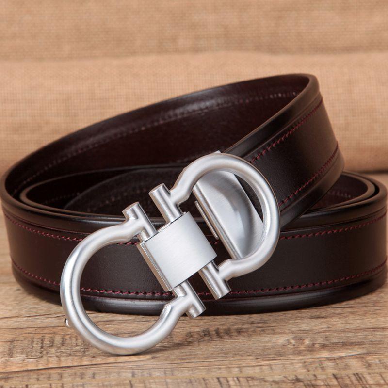El cinturón de hebilla de cuero suave en la moda de 8 caracteres de cobre de cuero de vaca para negocios de ocio de cinturón.