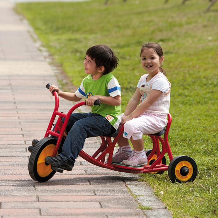 Los niños de Taiwán WEPLAY importados con doble pedal cochecito la bicicleta del cubo triciclo