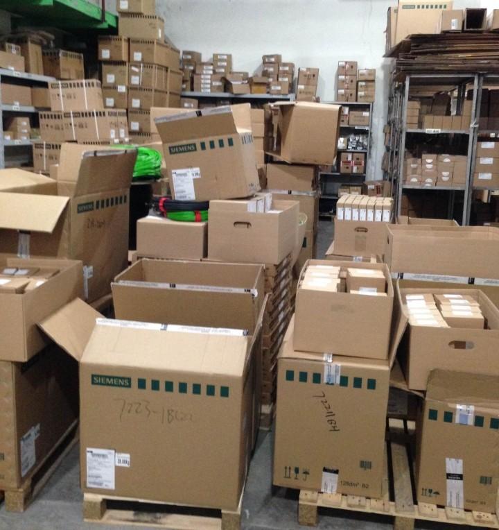 特価品シーメンスPLCS7-1200メモリカード6ES79548LE020AA012M代購