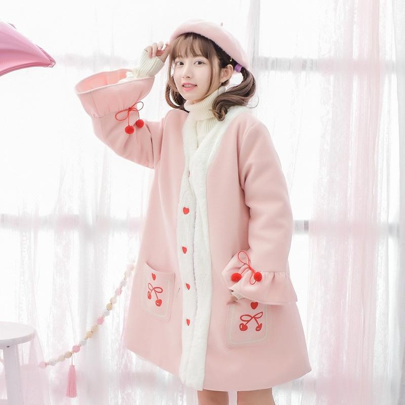 Áo khoác nữ trang trí hình trái anh đào thêu hoa họa tiết hình tim chất liệu dạ cho mùa đông thêm ấm áp