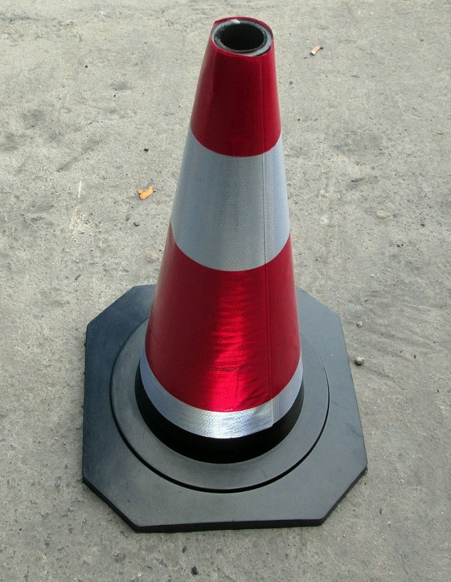 No parking, no parking, rubber road, cone, square cone, roadblock, cone sign, aggravating thickening 70cm traffic facilities